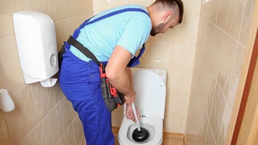 WC bouché à Menton ? Appelez une entreprise de débouchage canalisation !