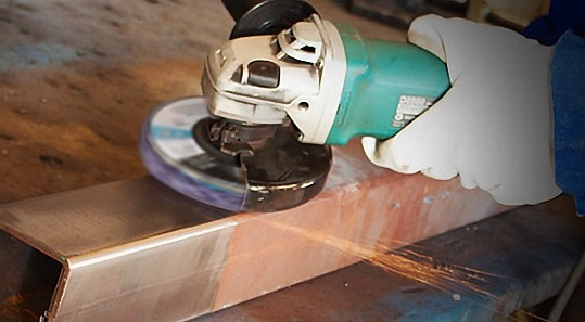 Comment enlever la rouille d'une décoration murale en métal ?
